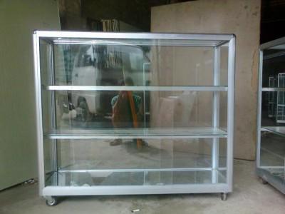 Tủ kính bán hàng