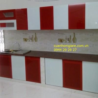 Tủ bếp nhôm kính sơn tĩnh điện giả gỗ TpHCM kiểu dáng đẹp VƯỢT TRỘI